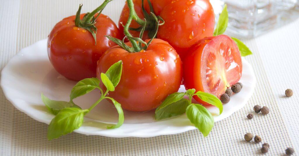 Es verdad que el tomate produce gastritis